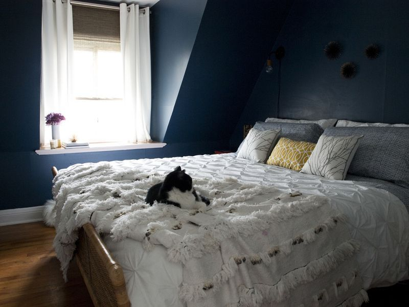 use black and white for attic bedroom.