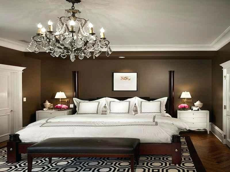 luxurious hanging pendant for beautifying the bedroom.