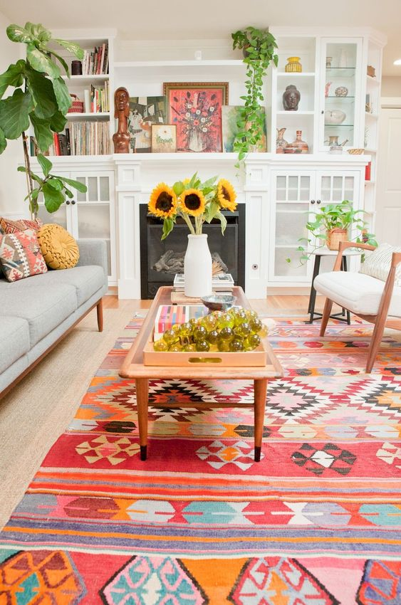 use pink, white, blue, and orange for the living room.