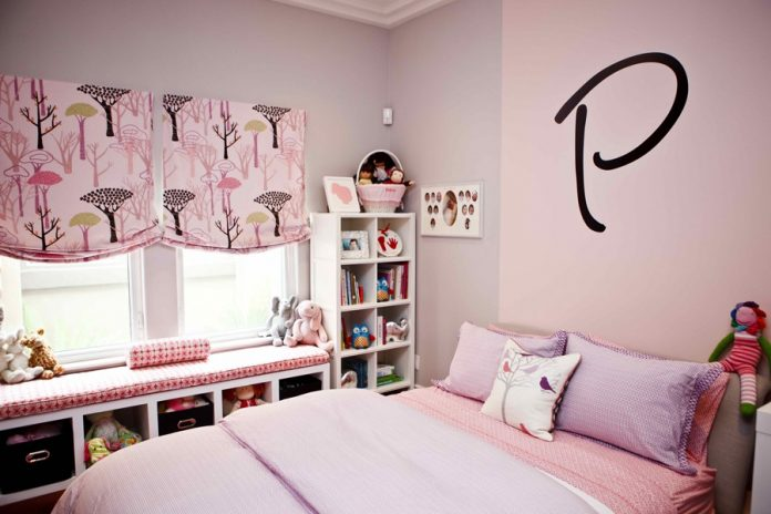 teenage girl bedroom with small space
