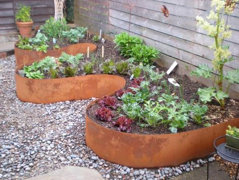curve garden bed decoration