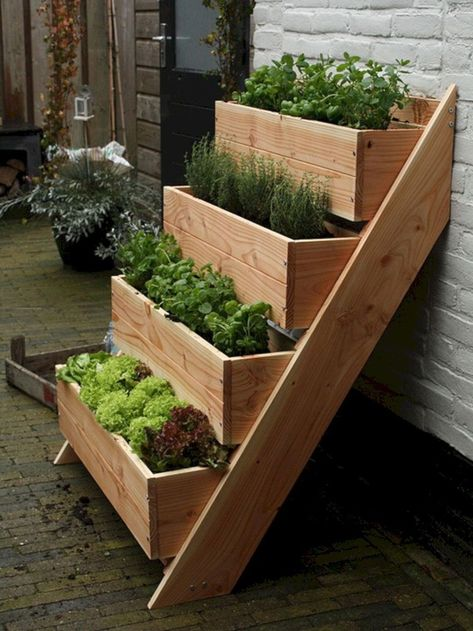 inspiring garden bed decoration
