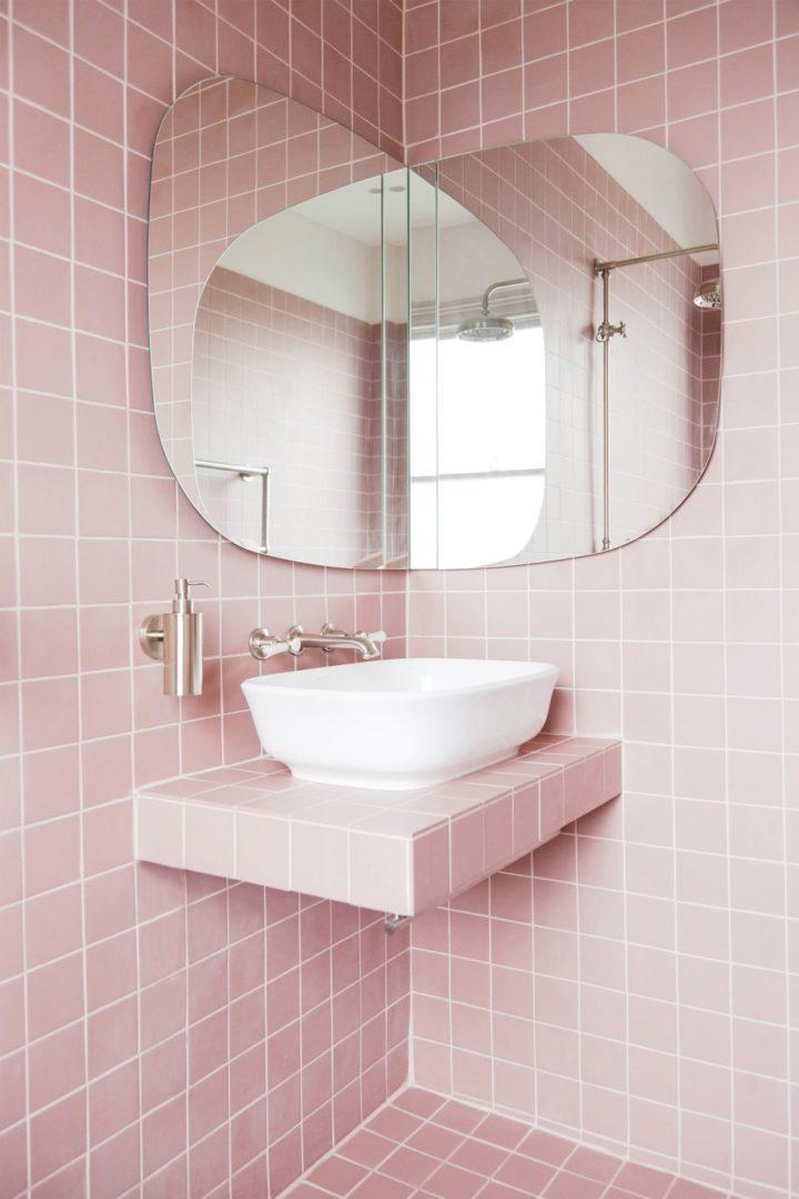 corner folding mirror