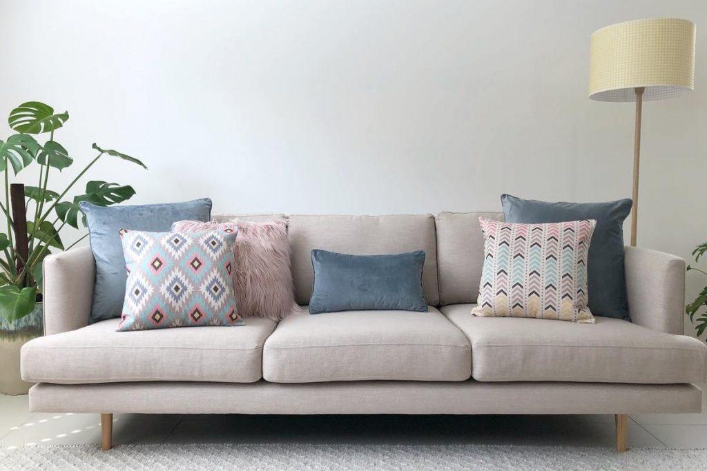 Living Room Sofa with Cushion
