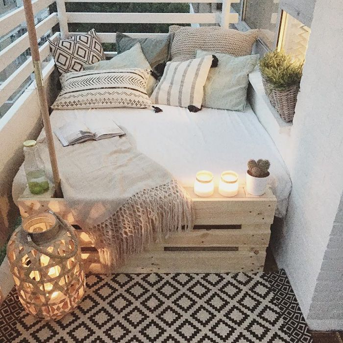 Bed Or Place To Relax