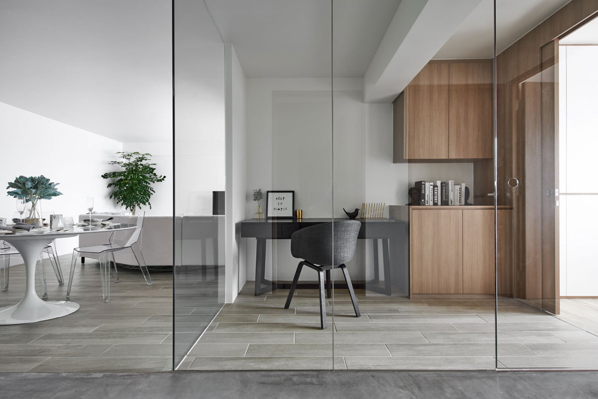 Modern and Minimalist Glass Room Partitions