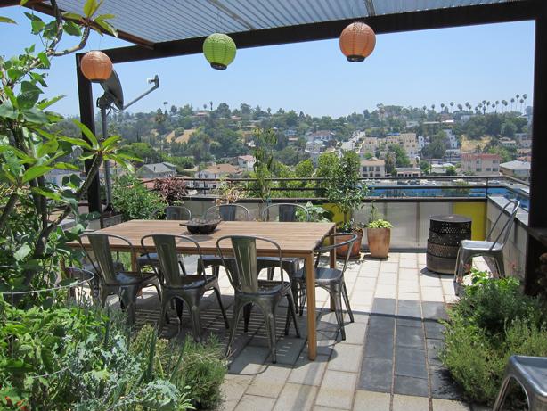 Rooftop Garden For Dinner Together