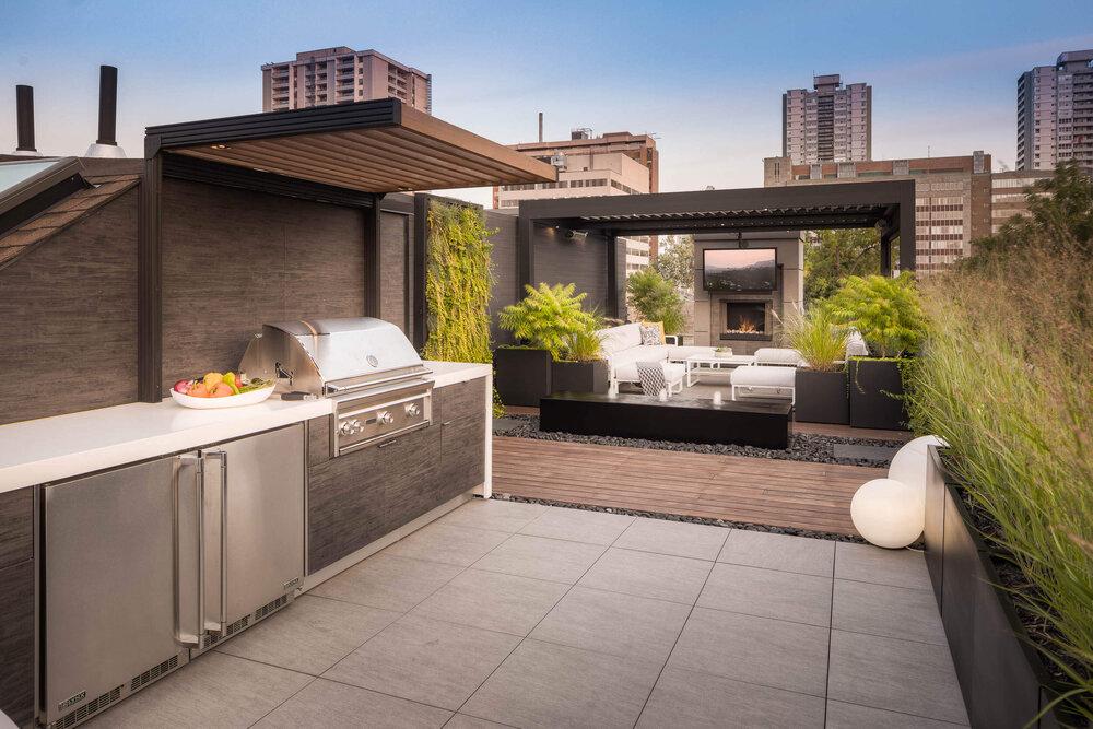 Rooftop Garden As A Comfortable Kitchen