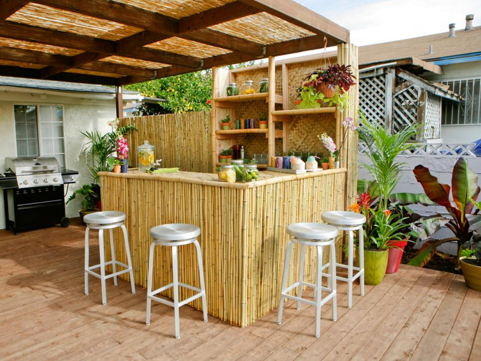 Outdoor Kitchen with Mini Garden