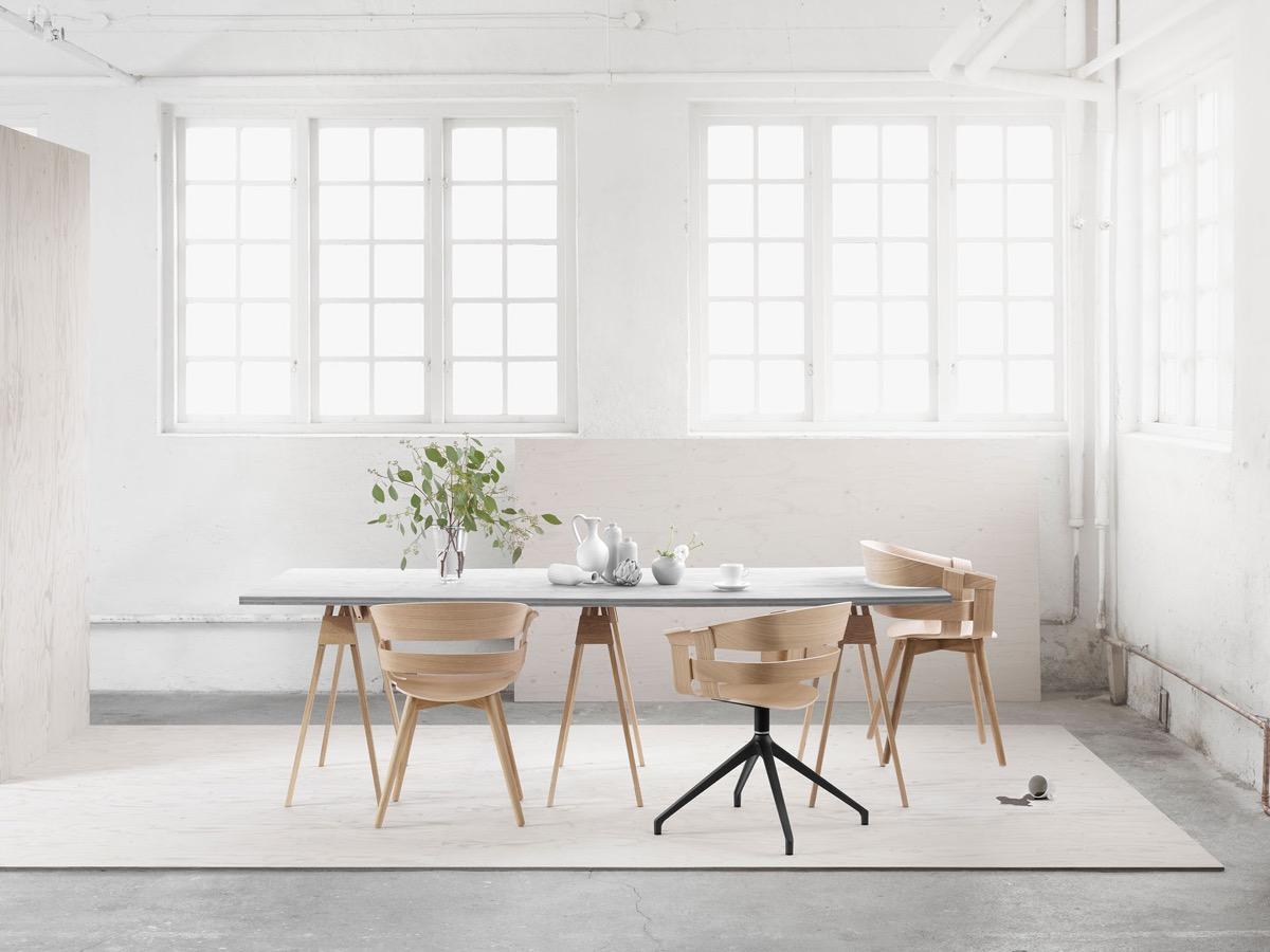 Minimalist Scandinavian Dining Room