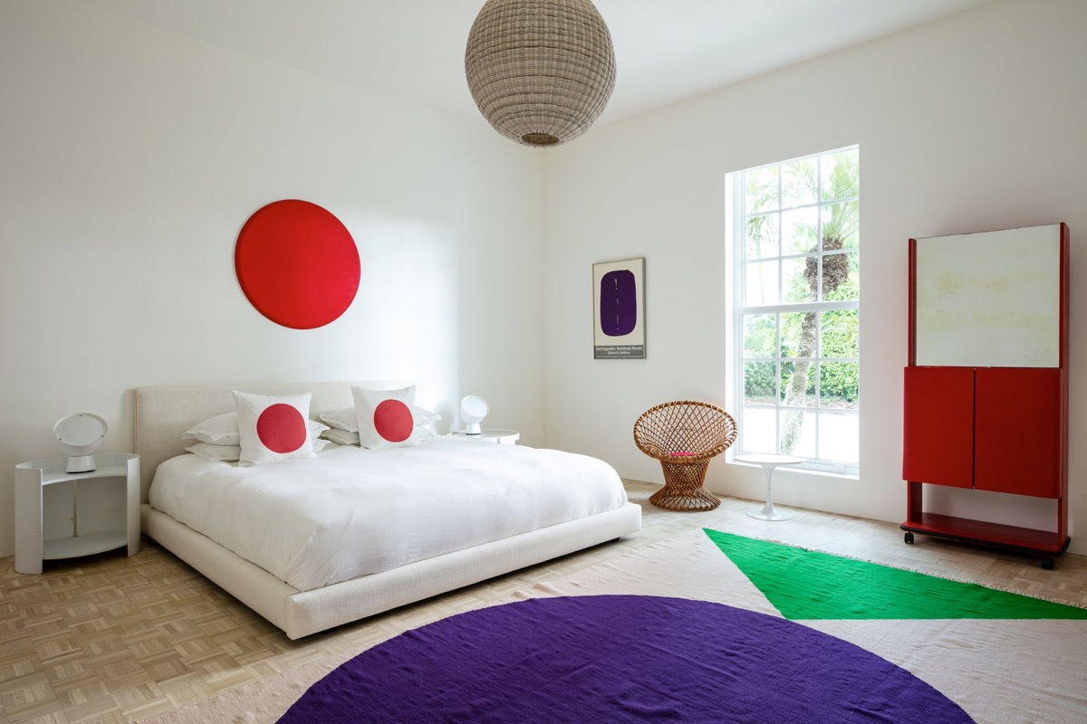 Simple Artistic Bedroom