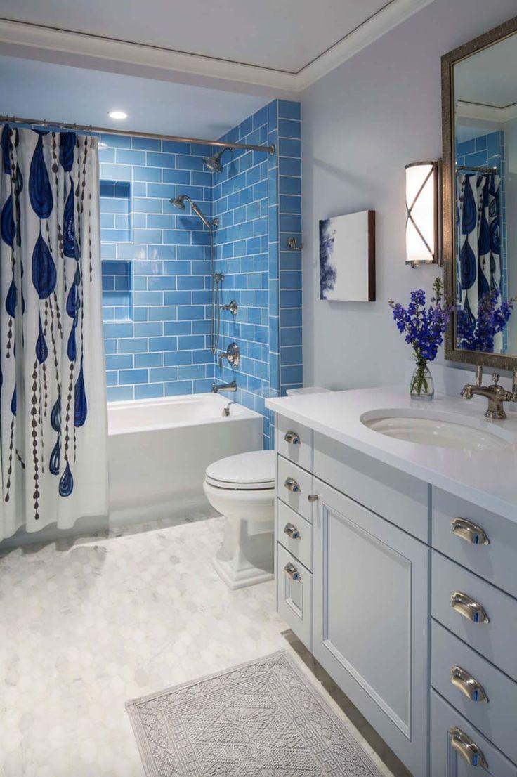 The Coastal Theme for a Calming Blue Bathroom
