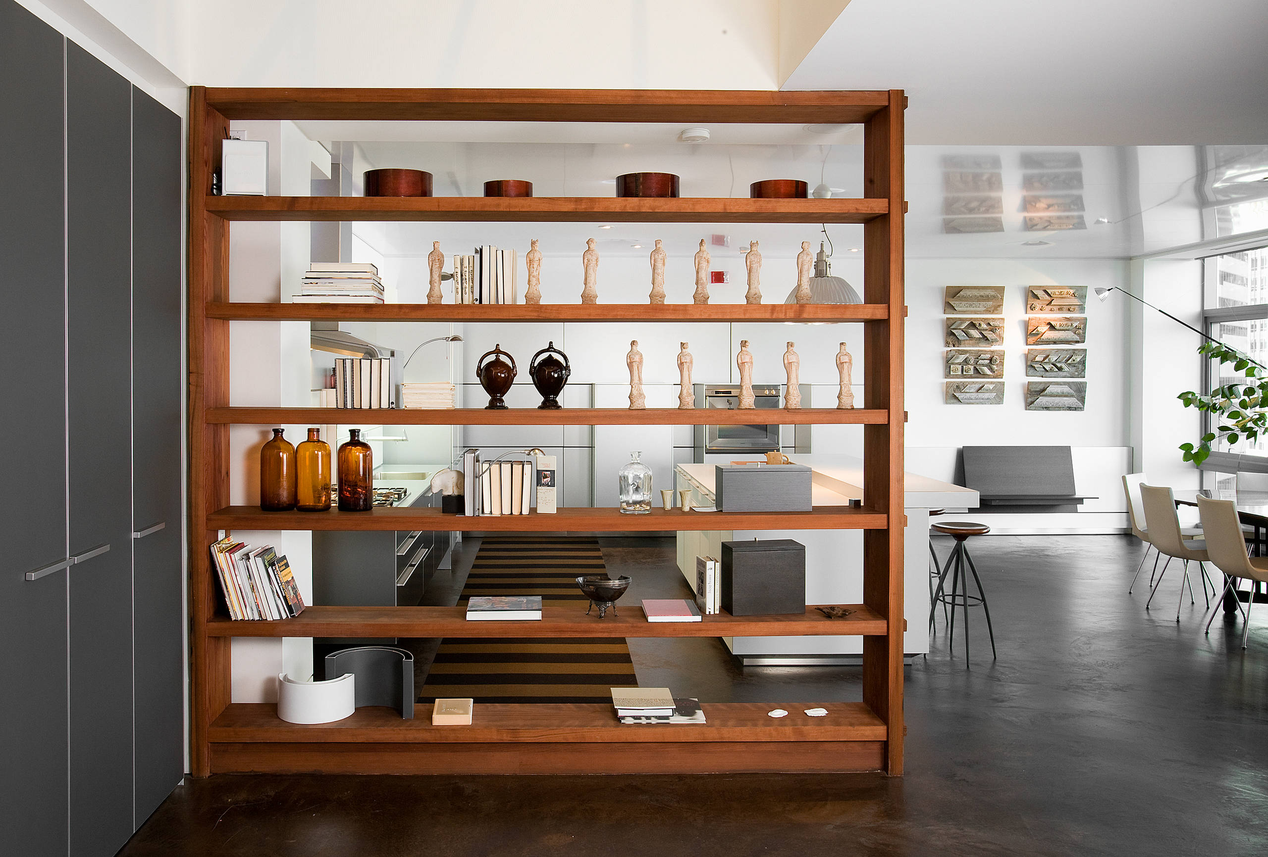 Shelves as Room Partition