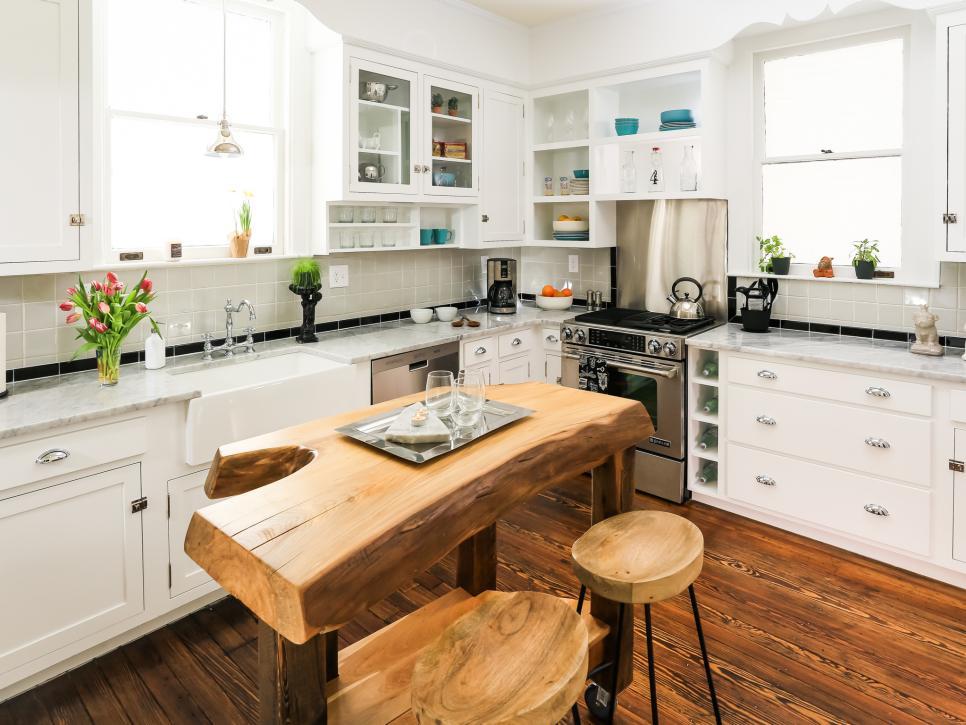 Tropical L Shape Kitchen